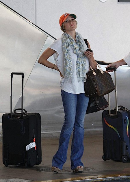 Kristin-Cavallaris-Louis-Vuitton-Speedy-35-M41524.jpg - 450 x 632  73kb  jpg