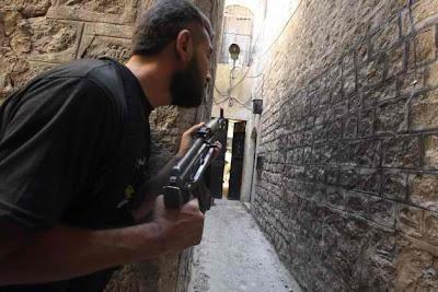 http://3.bp.blogspot.com/-KuWfrykS0xA/Uh2bk5hd83I/AAAAAAAA4Fc/Rwm6pUTgcAA/s1600/SYRIAN_FIGHTER1-630x420.jpg