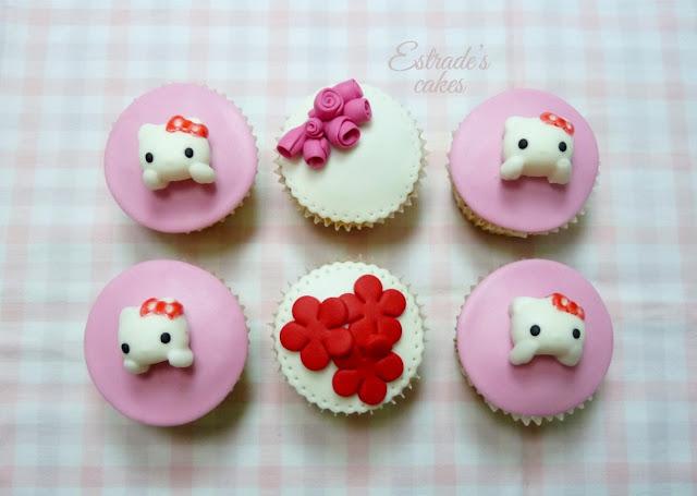 cupcakes de Hello Kitty con fondant - 1
