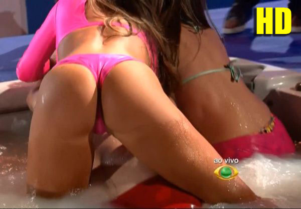 ni1 Nicole Bahls & Renatinha – Banheira do Pânico