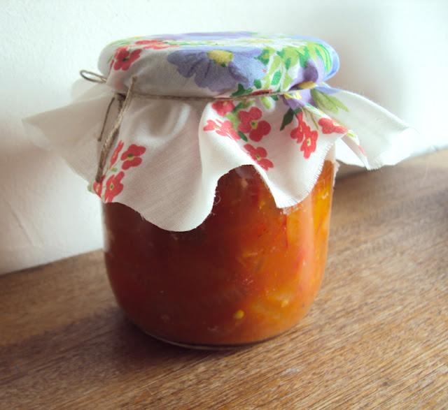 Przetwory leczo na zimę pomidory papryka i cebula