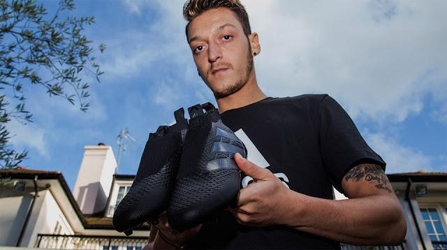 adidas presenta con Özil las primeras botas sin cordones