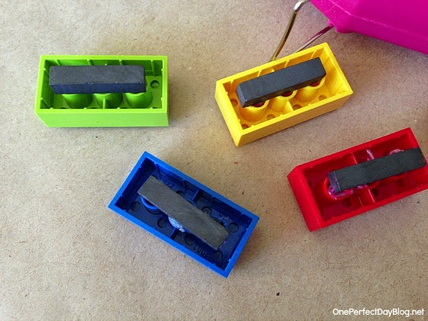 Diy lego magnets do it yourself ideas and projects for Diy lego crafts