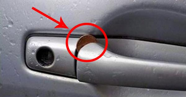 moneda in incuietoarea masinii