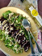 Πράσινη σαλάτα με παντζάρι κ κρεμώδη σάλτσα φέτας-Green beetroot salad with creamy feta dressing