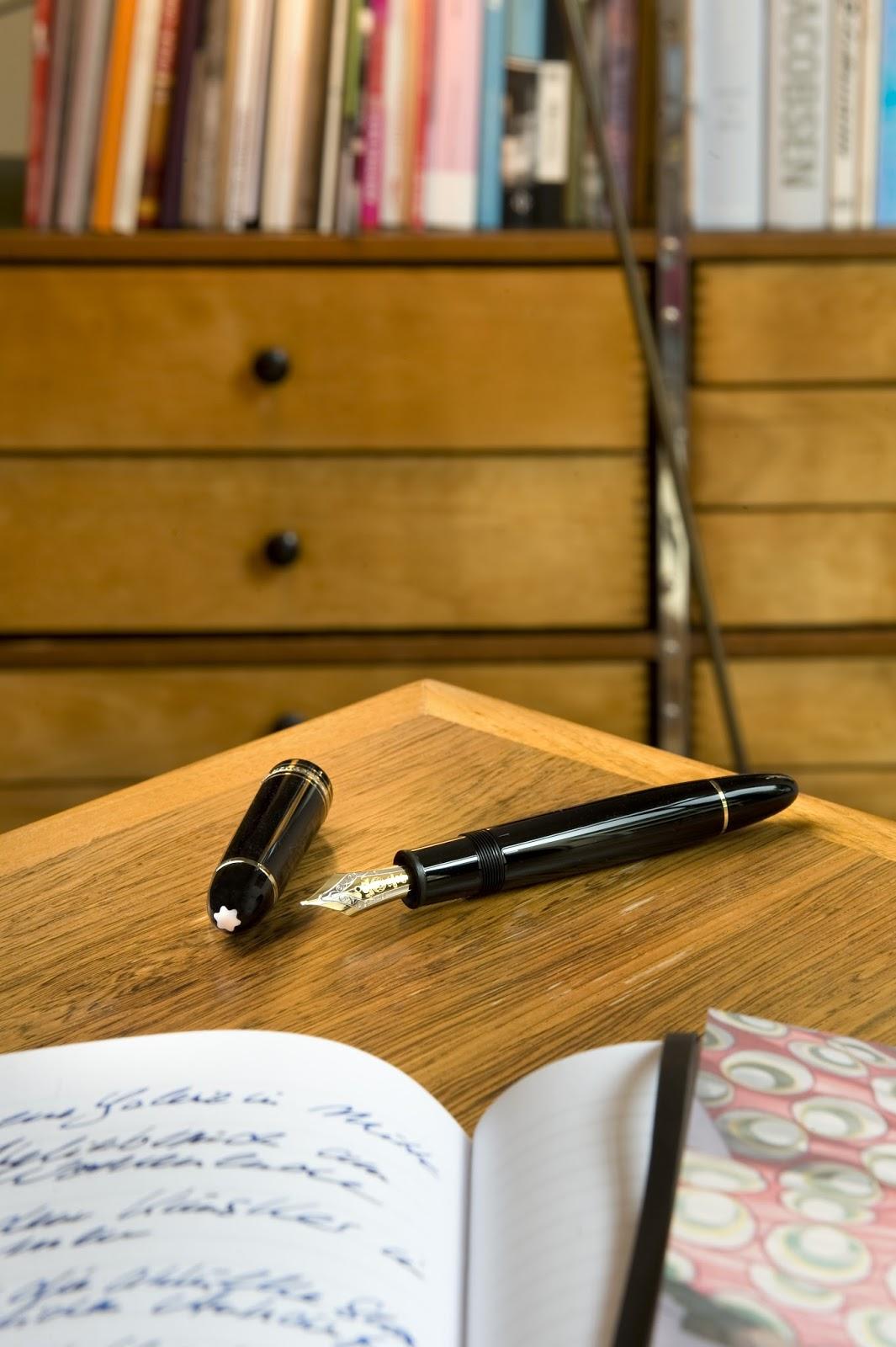00O00 Menswear Blog: President Barack Obama and the Montblanc Meisterstück pen