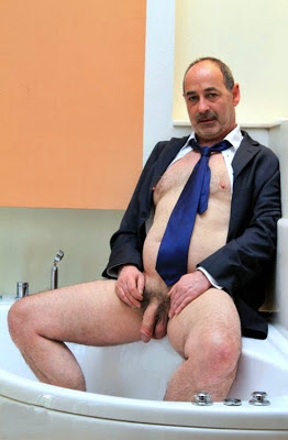 mature gay men hq - daddy in the bath -