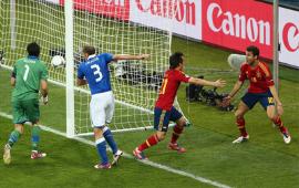 أهداف مباراة اسبانيا وايطاليا 4-0 في نهائي بطولة اليورو 1-7-2012