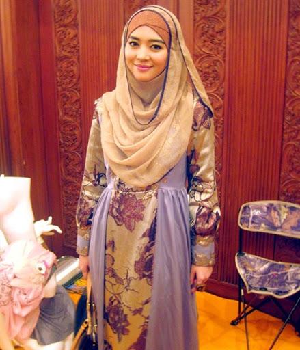 trend model gaya hijab ala nuri maulida terbaru 2017/2018