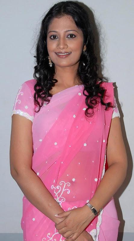 Tamil Desi Teen Actress Anika Hot Looking Sari Stills wallpapers