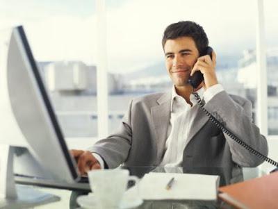 المراكز القيادية تجعل الرجال أكثر شعورا بالرضا  - business-man manage