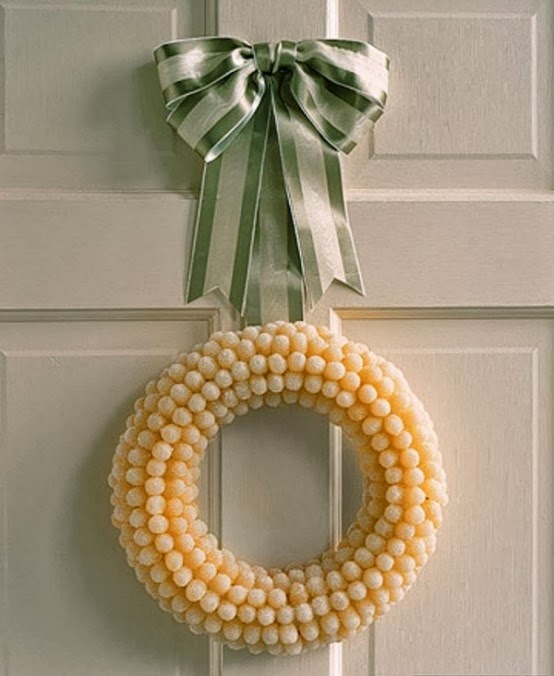 Lemon Drop Wreath from FrySauceandGrits.com