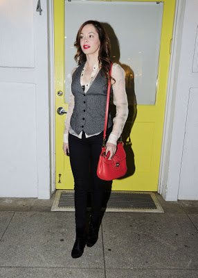 McGowan Heading to a Hair Salon in Los Angeles - Rose McGowan - Zimbio