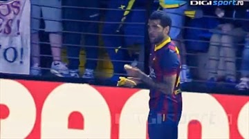 Dani Alves, banana, Dani Alves banana, Dani Alves monkey, Barcelona, Lionel Messi