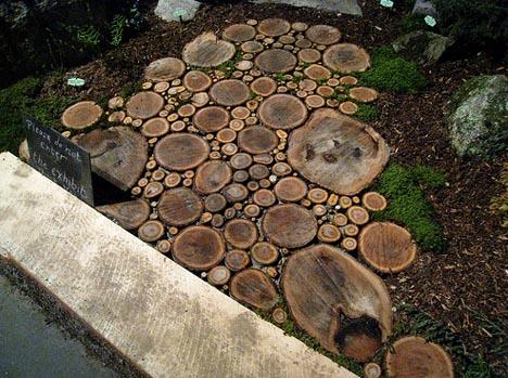 Как сделать дорожки из спилов дерева своими руками