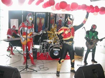 Gini Nih Kalo Ultraman Nganggur... [ www.BlogApaAja.com ]