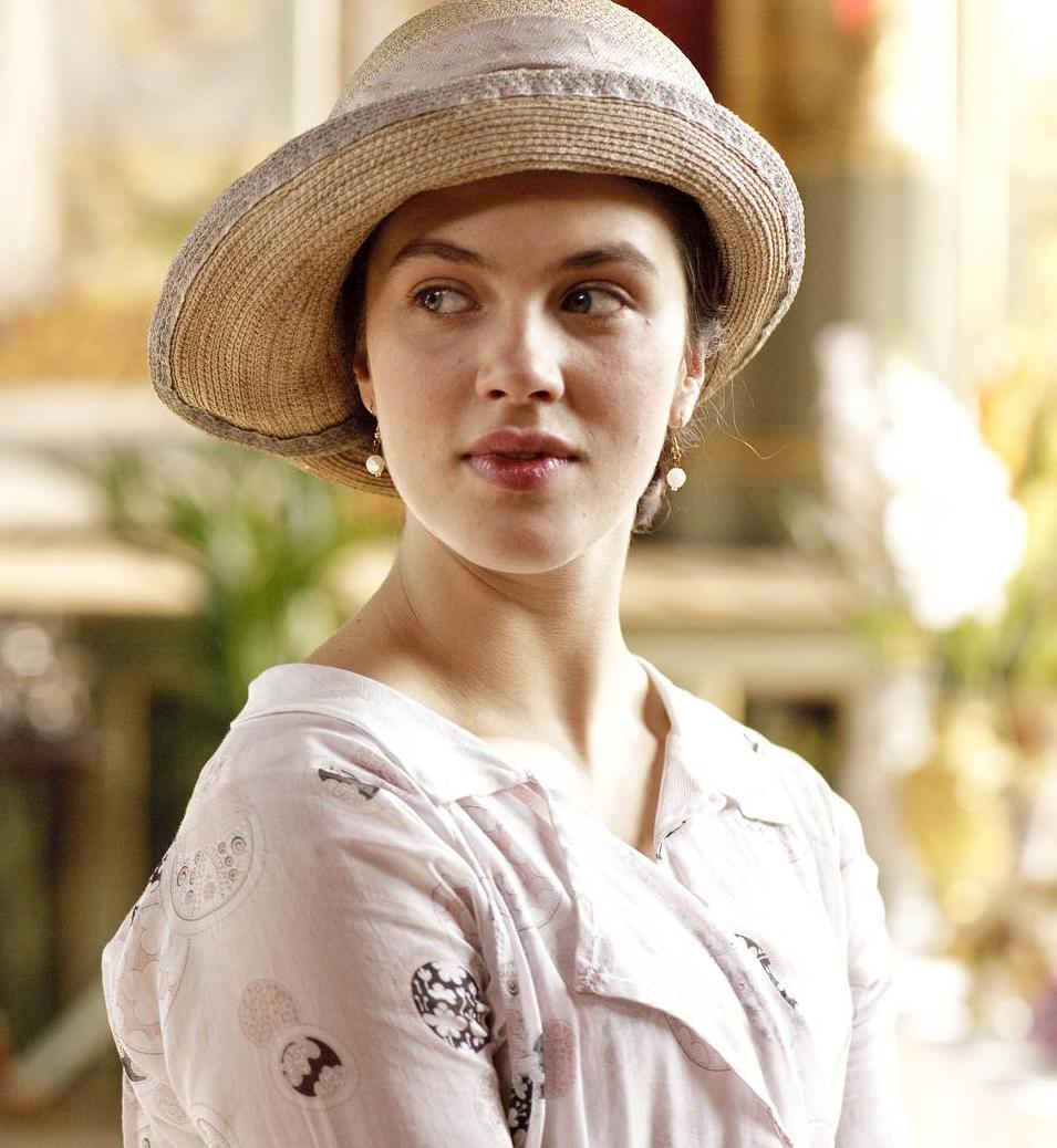 image Jessica brown findlay from downton abbey