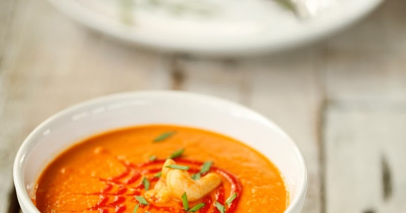 Spicy Tomato and Cashew Bisque