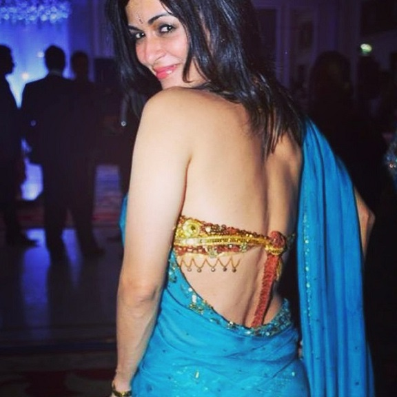 xossip blouse back in saree