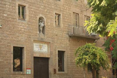 Hospital de la Santa Creu in El Raval