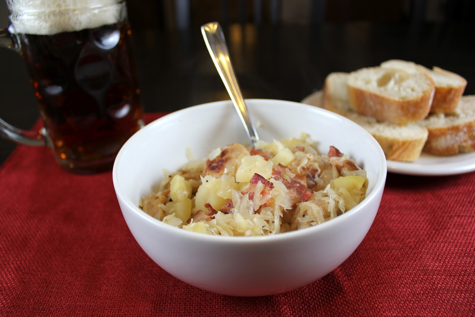Robyn cooks sauerkraut with apples and sausage - Appel krat ...