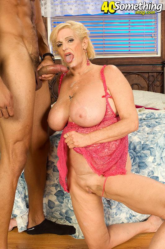 Порно фото бабушка в бикини