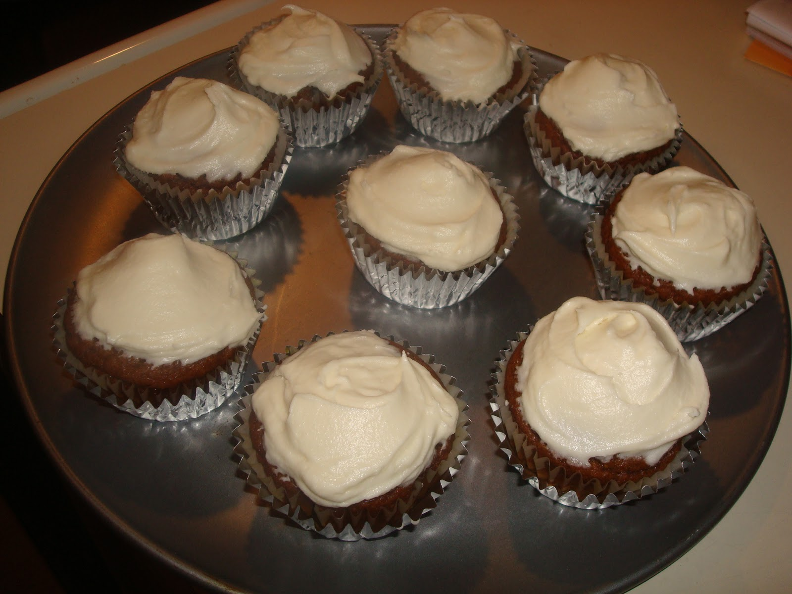 mocha me: Pumpkin Cupcakes with Maple Cream Frosting