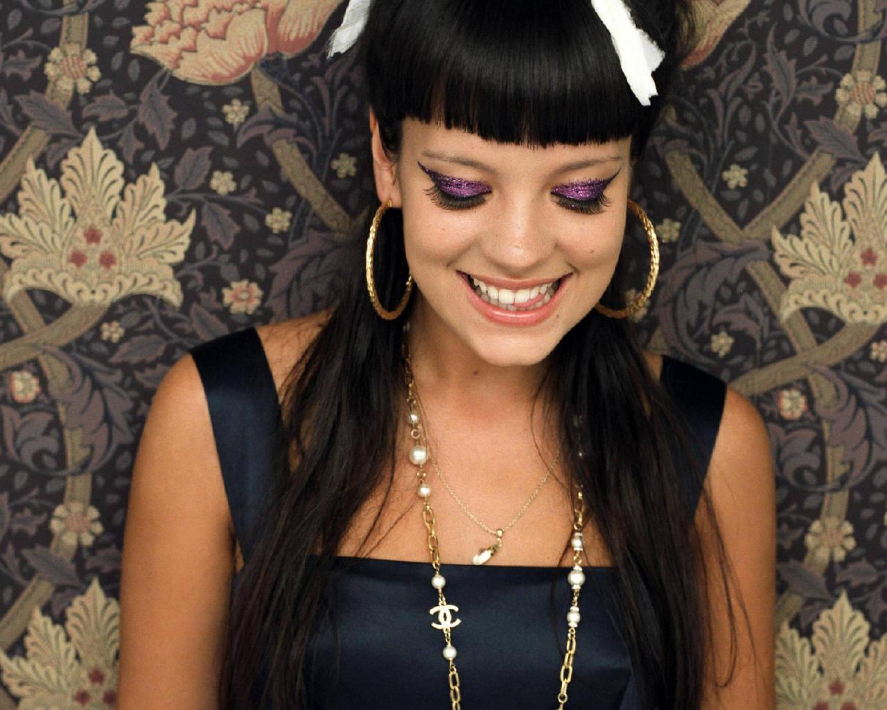 http://3.bp.blogspot.com/-Kx9c5fOYumk/UKI4n3rvacI/AAAAAAAALLo/OBdgMGWZqr8/s1600/Lily-Allen.jpg