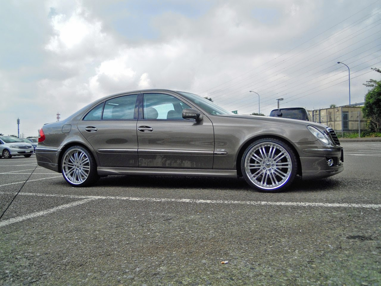 Mercedes benz w211 on auto couture lative wheels benztuning for Mercedes benz wheels rims