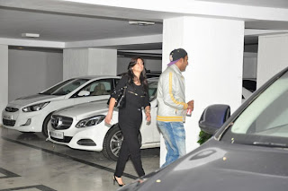 Alia, Varun, Sidharth and Arjun snapped at Karan Johar's house (1).jpg