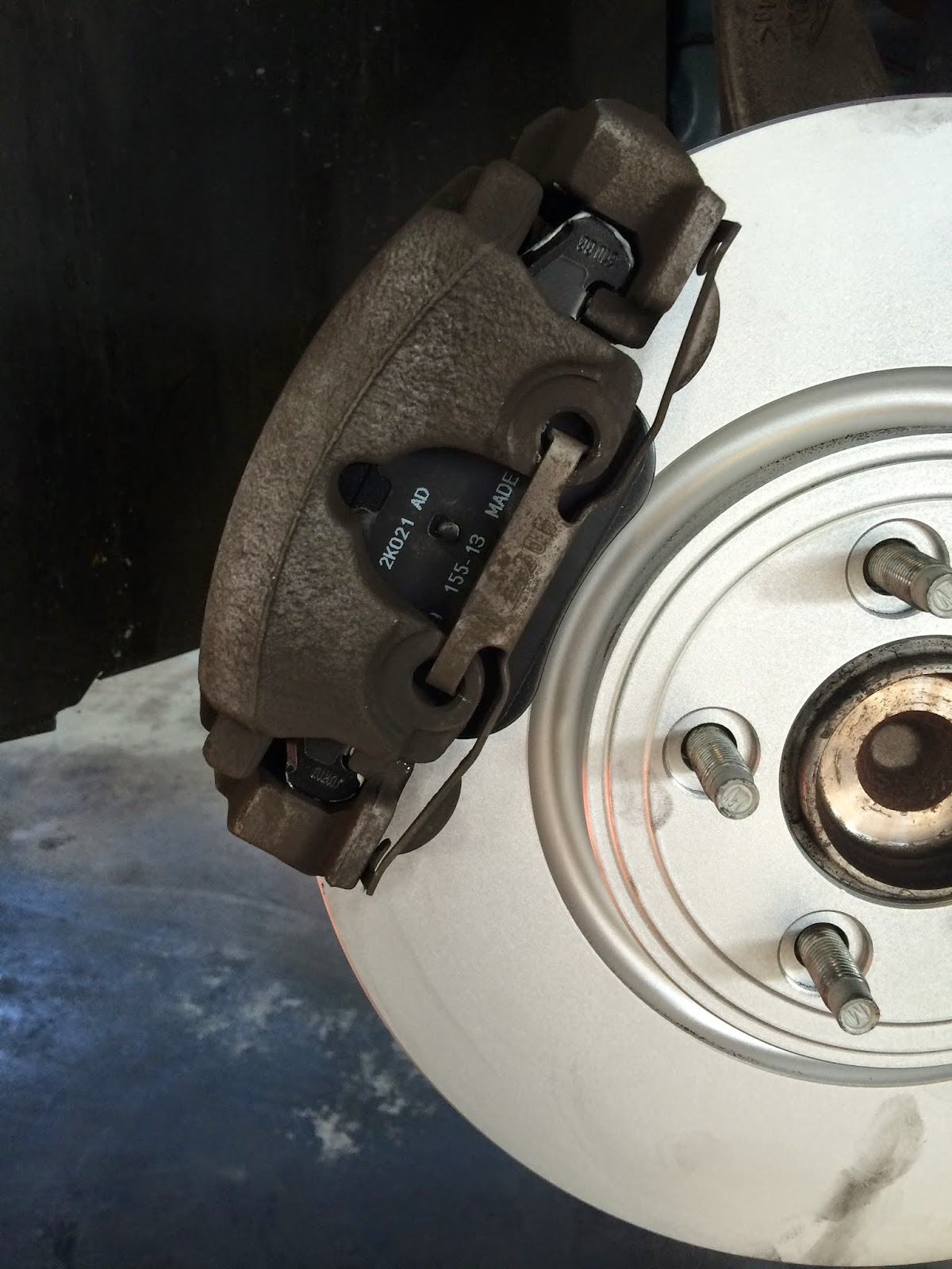 how to change the rear brake pads and rotors on your jaguar xf. Black Bedroom Furniture Sets. Home Design Ideas