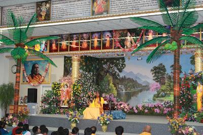 Thanksgiving retreat with Siddheshvari Devi at Radha Madhav Dham 11