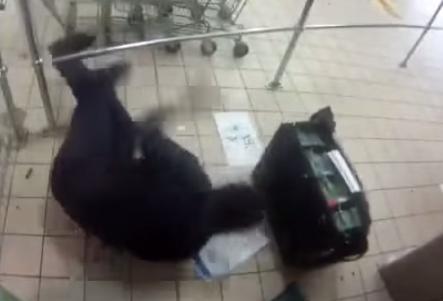 Tiroteo en un supermercado para robar un cajero automático