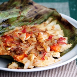 how to bake fish in banana leaf?