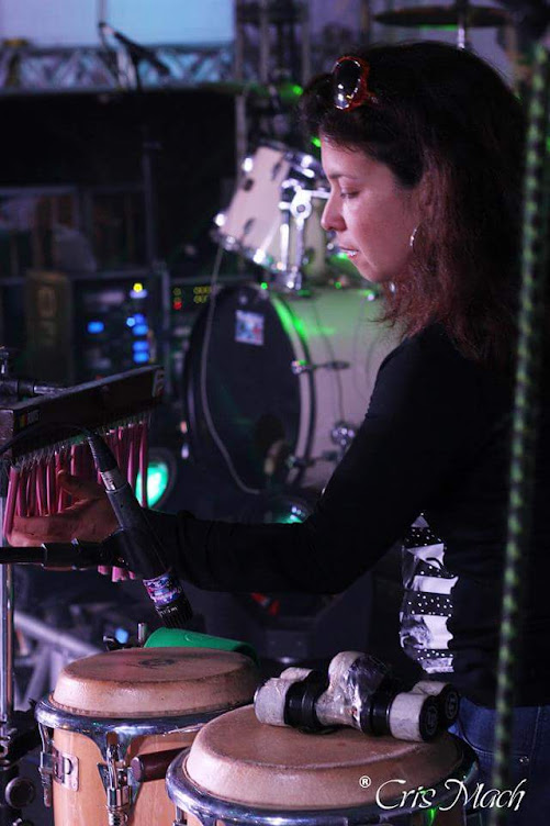 Lidiane de Souza - Percussionista.