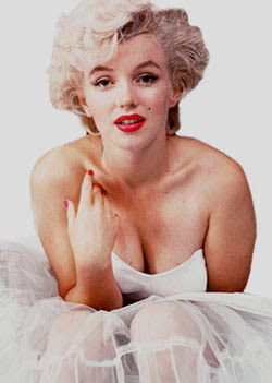 Marilyn Monroe voted cleavage queen