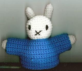 http://translate.googleusercontent.com/translate_c?depth=1&hl=es&rurl=translate.google.es&sl=auto&tl=es&u=http://www.crochetville.com/community/topic/9786-miffy-the-bunny/&usg=ALkJrhjY9JdfXNmg3UrWbT6laGqT8U_QDQ#entry129488
