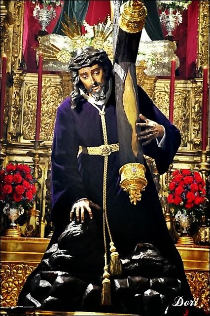 Besamanos al  Santísimo Cristo de las Tres Caídas de Triana Semana Santa de Sevilla 2014