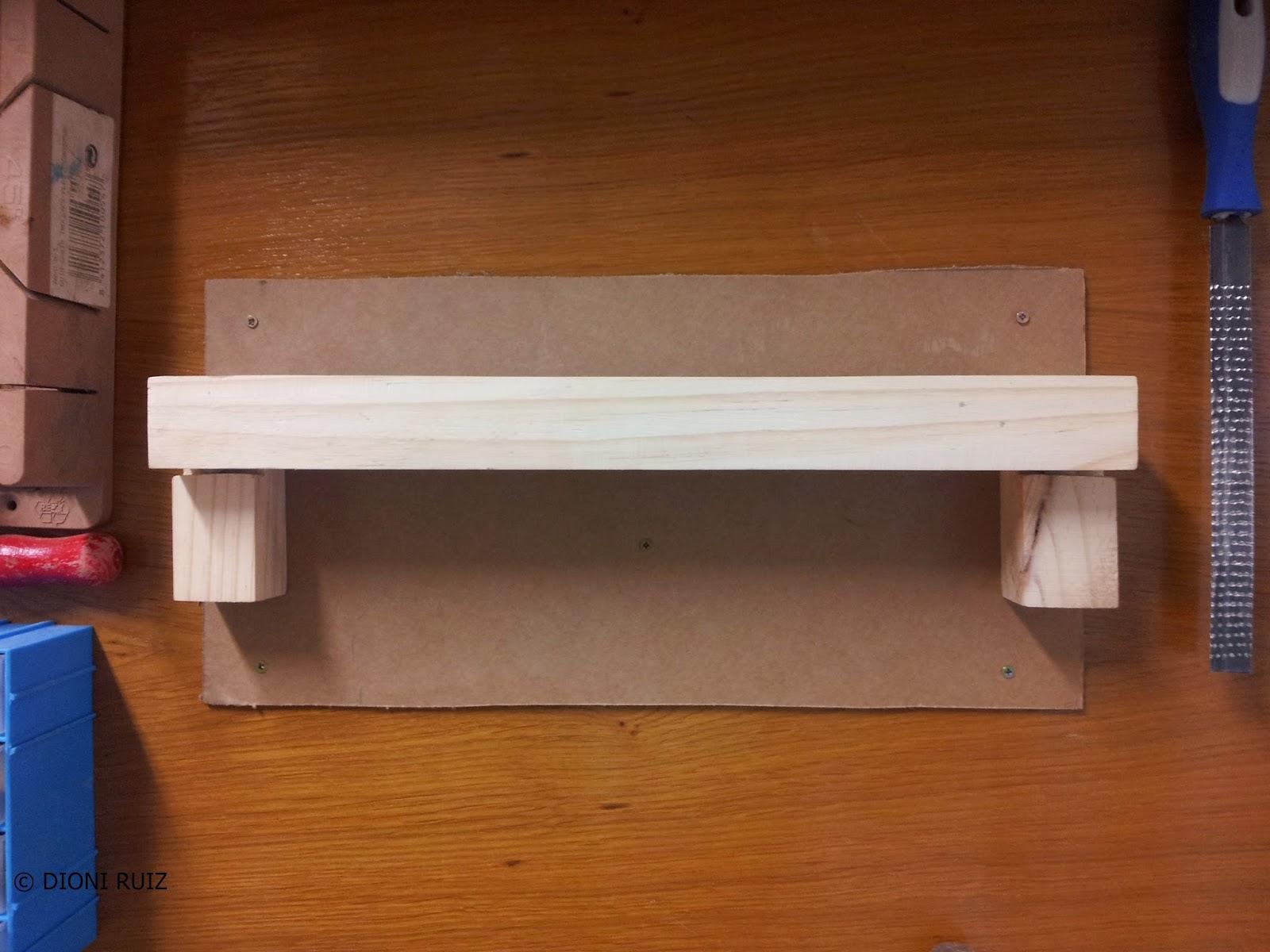 Bricolaje con madera en casa soporte de pared para sargentos for Bricolaje en madera pdf