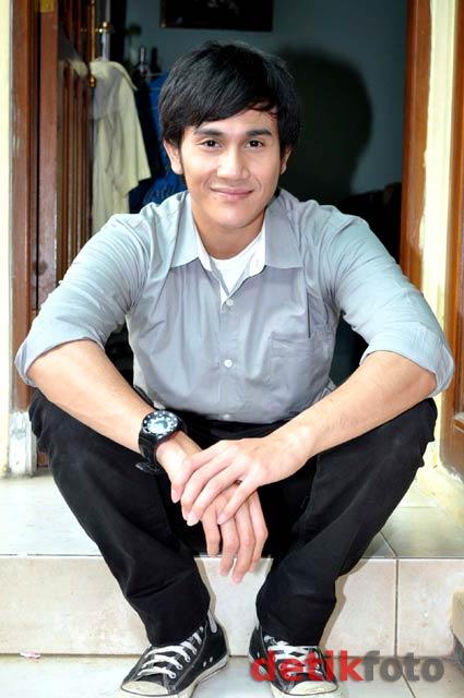 Vino Giovani Bastian lahir di Jakarta, 24 Maret 1982 adalah seorang ...