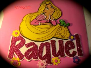 Letrero Rapunzel sobre fondo rosa