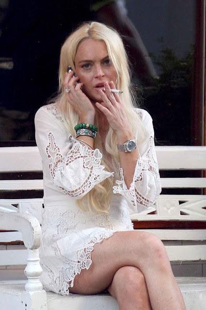 Lindsay Lohan... smoking