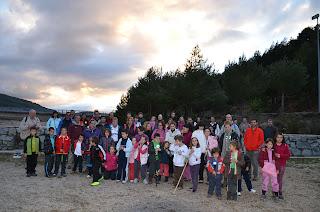Fotografía de familia del grupo medio ambiental del AMPA el Plantío del CEIP MArqués de Valero