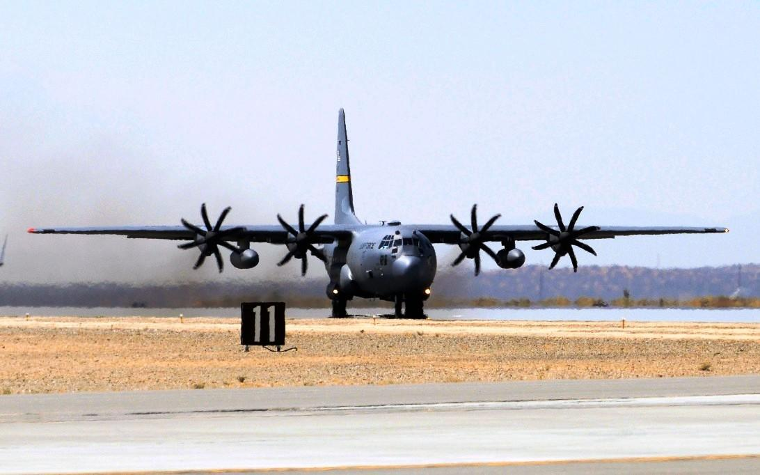 C-130J Super Hercules, Wallpaper Pesawat Terbang 3
