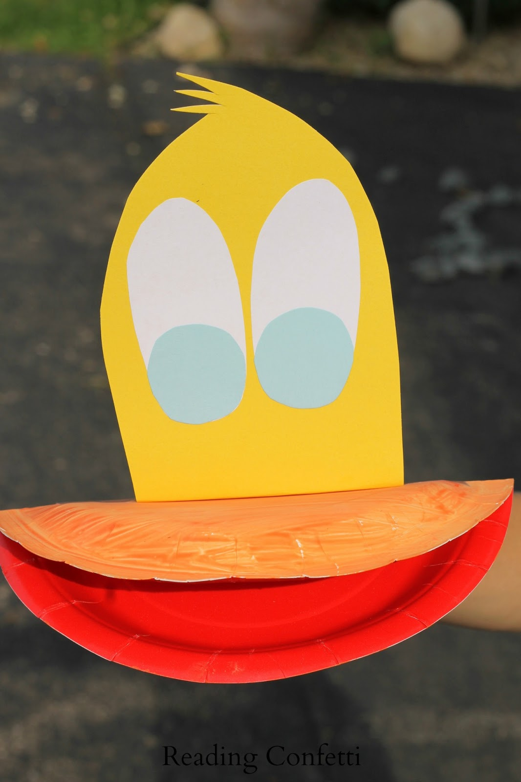 Paper Plate Duck Puppet: Virtual Book Club for Kids ~ Reading Confetti