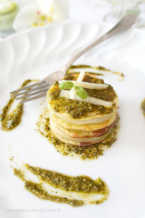 Millefoglie di patate con pesto e formaggio ricetta antipasto ricercato - Potato millefeuilles with basil pesto and cheese recipe