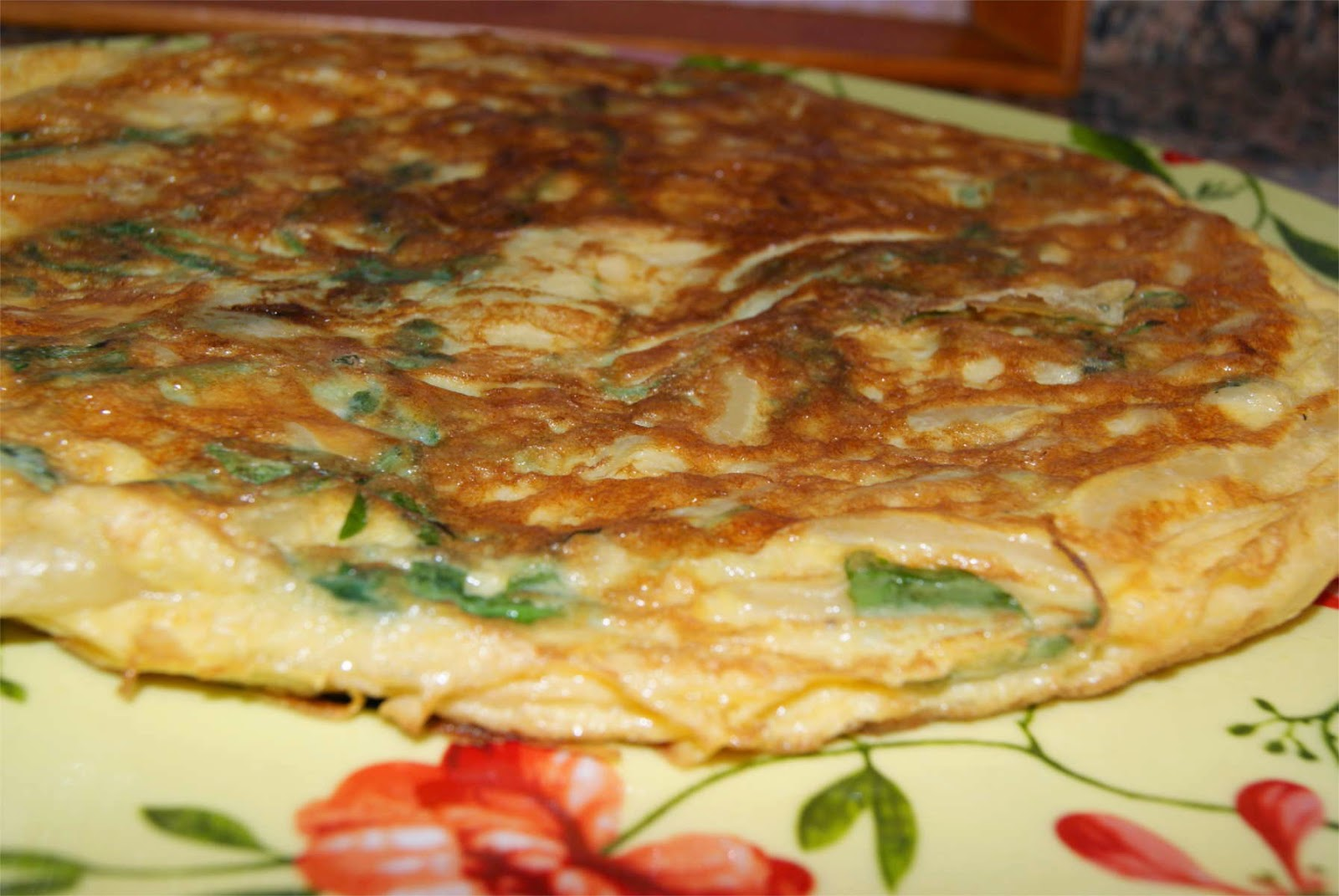 Tortilla de pasta y rúcula paso 5