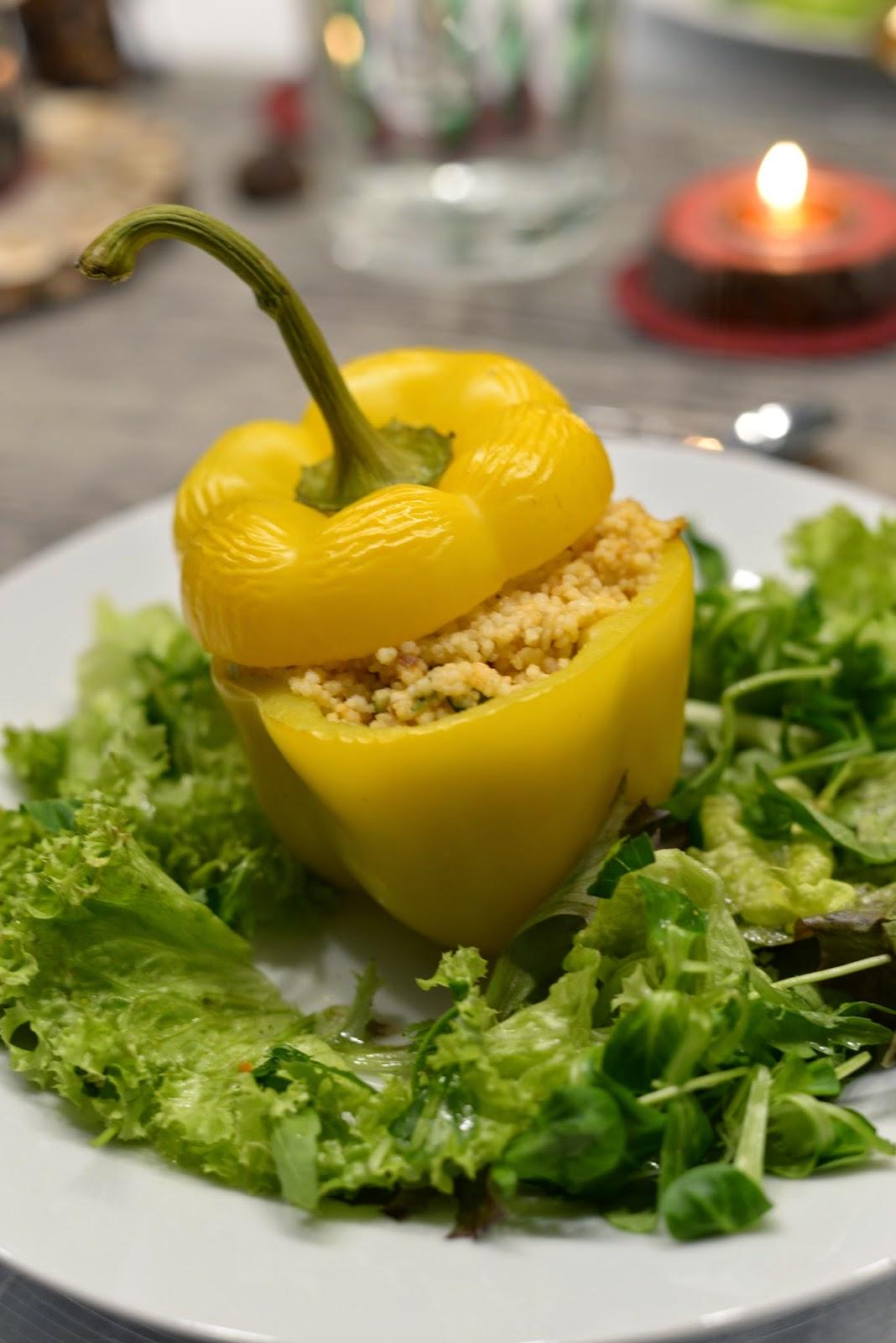 gefüllter Paprika, Paprika, Maroni, Couscous, Hauptspeise, Gemüse, Salat, weihnachtsdinner, vegan, veganes dinner, weihnachten, advent, winter