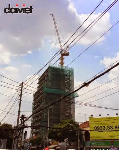 Hinh_robot tower dang thi cong
