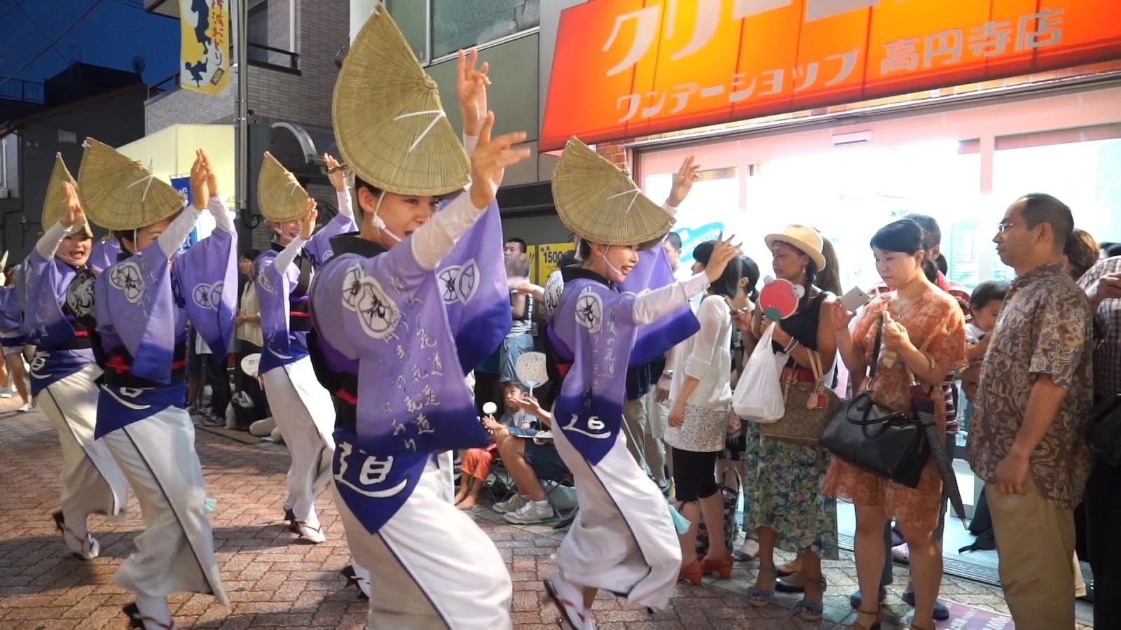 高円寺阿波おどり、花道連の動画を見る